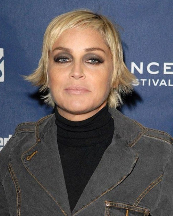 Шерон Стоун с неудачным макияжем